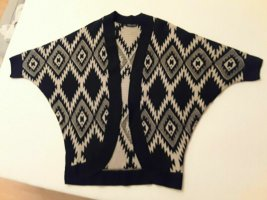 Knitted Poncho cream-black