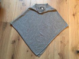 Review Poncho gris