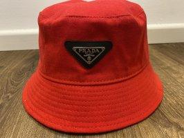 Prada Cappello da pescatore nero-rosso