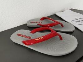 Prada Flip Flops Gr. 40 dunkelrot