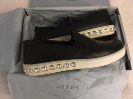 Prada Schlüpfsneakers mit Kristallen, Leder,  schwarz