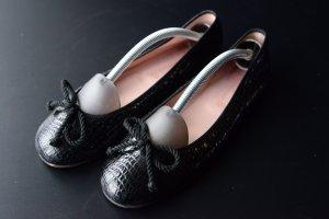 Pretty ballerinas Bailarinas de charol con tacón negro