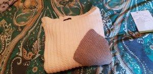 Sweter z grubej dzianiny biały