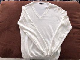 Pullover aus Baumwolle, Größe M, mit V-Ausschnitt.