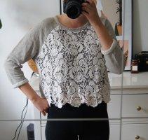 Pullover / grau / Spitze / gehäkelt