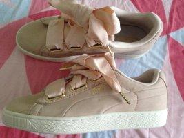 Puma Basket Heart Soft Sneakers rosa Gr 39