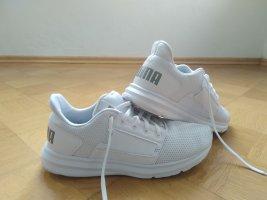 PUMA Sneaker. Fast neu!