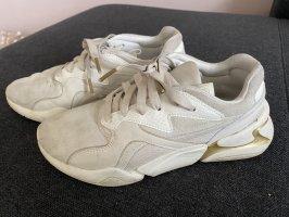 Pumas Sneaker gr. 39
