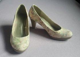 Zapatos de punta crema