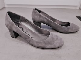 Nina New York Classic Court Shoe grey leather