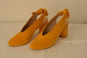 COS Slingback pumps geel Leer