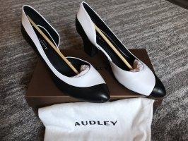 Audley  zwart-wit
