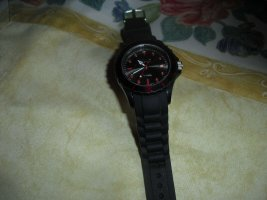 QBOS Armbanduhr NEU schwarz