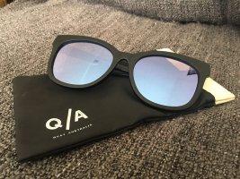 Quay Okulary motylki czarny-jasnoniebieski