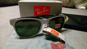 Ray Ban Lunettes de soleil angulaires blanc