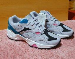 Reebok Damen Schuhe Gr 37.5 und Gr 38