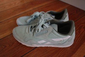 Reebok in mint
