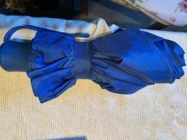 Parapluie pliant bleu fluo