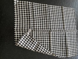 renard Silk Cloth black-white