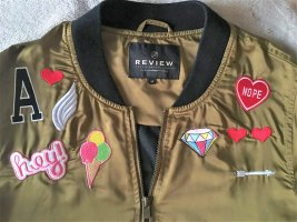 Review Bomberjacke mit Sticker