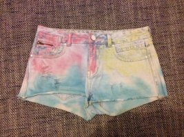 Review Shorts multicolore