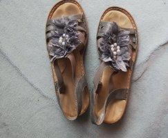 Rieker Sandale in Gr. 41 in grau mit Perlen