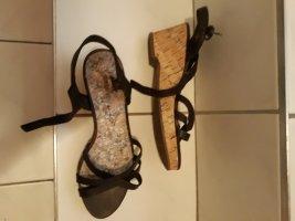 Riemchen-Sandale in Braun Gr. 38 selten getragen - Deichmann