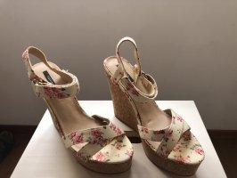 Riemchen Sandalen mit Keilabsatz