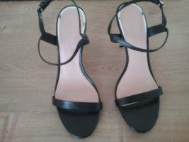 Riemchen Sandalen ungetragen