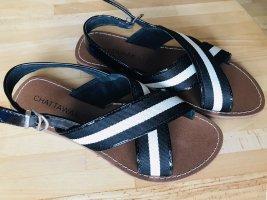 Sandalias de tiras negro-blanco puro
