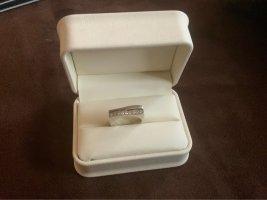 Ring aus 925 Sterlingsilber mit 9 Bergkristallen