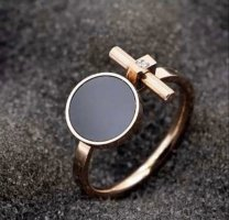 Ring Roségold Farbe Neu mit Verpackung