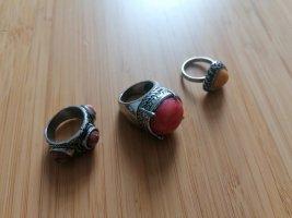 Ringe in Silber Farbe