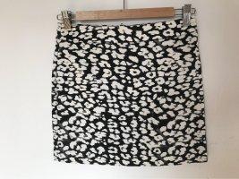 Rock mit Muster aus festen Jenasstoff mit Reissverschluss hinten