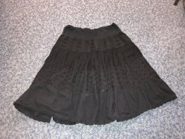 Falda de encaje negro