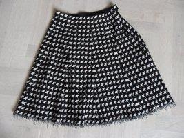 Knitted Skirt black-white
