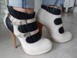 Rockige Ankle-Boots von Buffalo