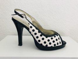 Romantische High Heels im Rockabilly Style