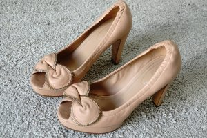 Cap Toes nude leather