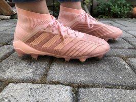 Rosa Adidas Fußballschuhe Predator