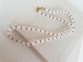 Collier de perles rosé-vieux rose