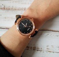 rosegoldene Uhr mit schwarzem Ziffernblatt und schwarzem Band NEU mit Batterie!