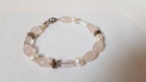 Rosenquarz & Perlen Armband
