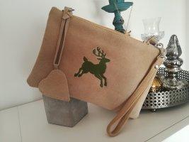 Rosi Bavaria Clutch mit Hirsch-Stickerei und Herz-Anhänger / Umhängetasche / Handtasche / Trachtentasche, beige/olivgrün