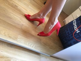 Rote Peeptoe Pumps