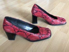 Rote Schlangenleder- Schuhe