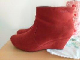 Rote Tamaris Stiefeletten
