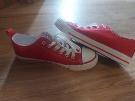 rote Turnschuhe  /Sneaker