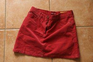 Roter Cordrock