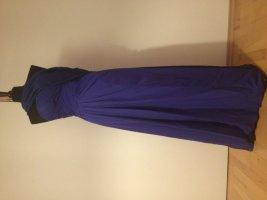 Royalblaues Abendkleid mit passender Stola